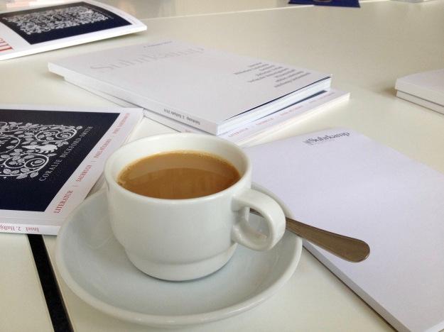 suhrkamp_kaffee